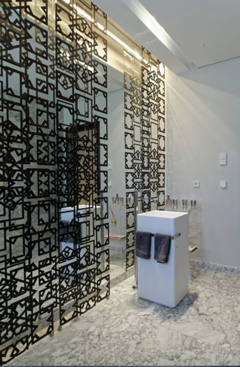 eclectic Bathroom by Jam Space Ltd