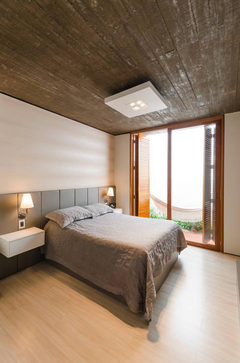 Cuartos de estilo moderno por Diego Alcântara  - Studio A108 Arquitetura e Urbanismo