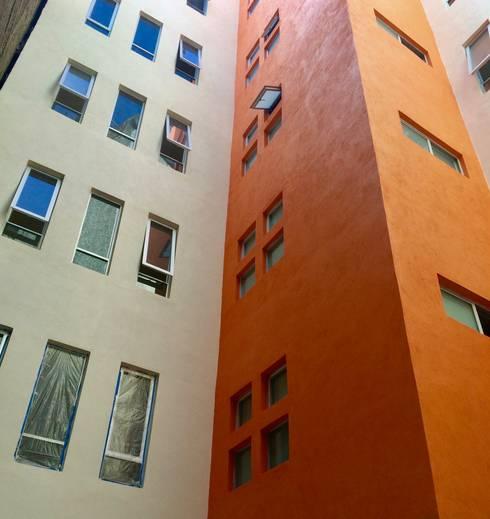 Casas de estilo  por simon&diseño