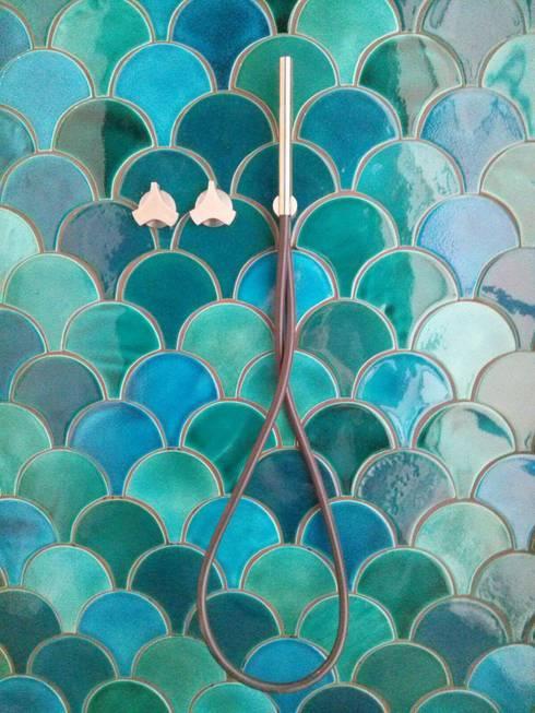 SCALE tile - ceramic tiles:  Bathroom by Viola Ceramics Studio