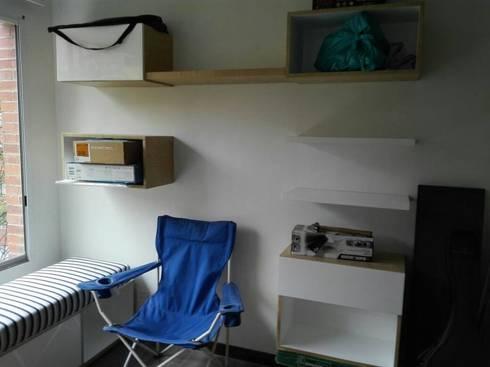 muebles de almacenaje: Estudio de estilo  por Camargo estudio creativo