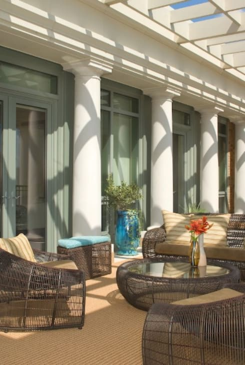 Penthouse Posh - Terrace Sitting:  Patios & Decks by Lorna Gross Interior Design