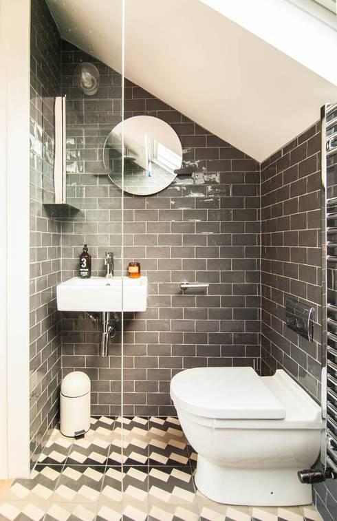 LONDON FIELDS LOFT:  Bathroom by Bradley Van Der Straeten Architects