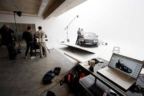 studio 1:  Exhibition centres by Till Manecke:Architect