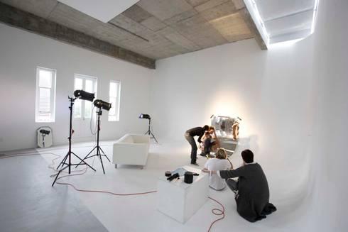 studio 4 :  Exhibition centres by Till Manecke:Architect