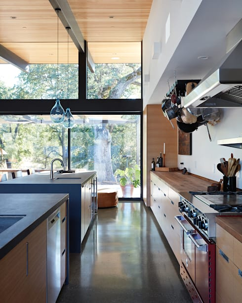 Sacramento Modern Residence by Klopf Architecture: modern Kitchen by Klopf Architecture