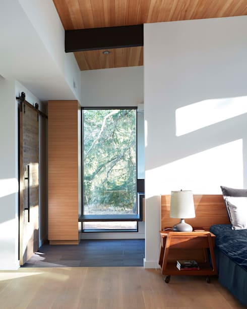 Sacramento Modern Residence by Klopf Architecture: modern Bedroom by Klopf Architecture