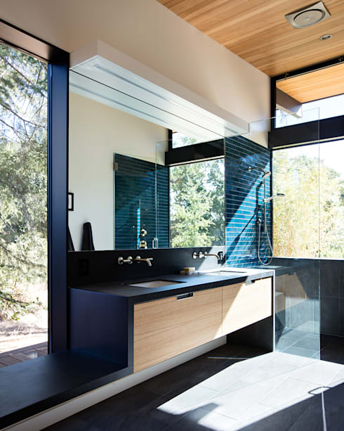Sacramento Modern Residence by Klopf Architecture: modern Bathroom by Klopf Architecture