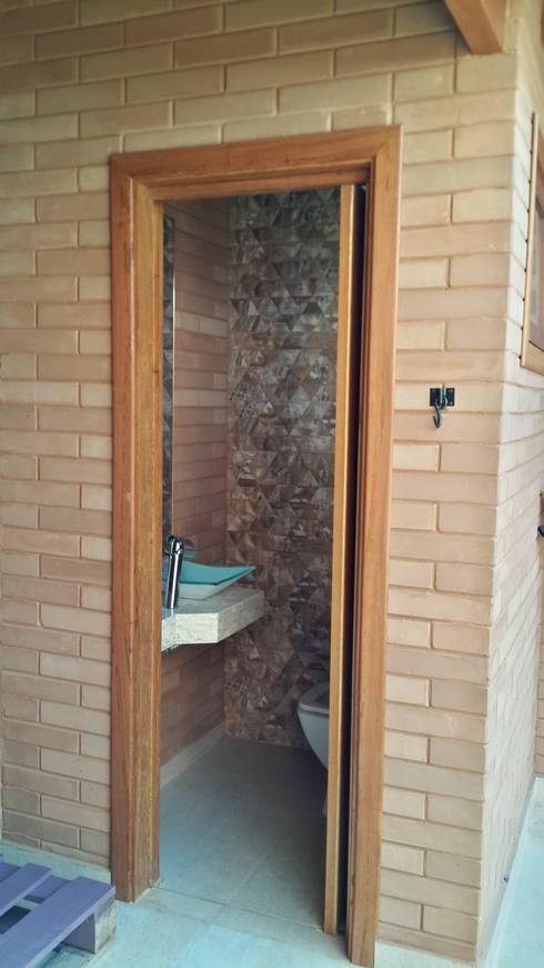 浴室 by EKOa Empreendimentos Sustentáveis
