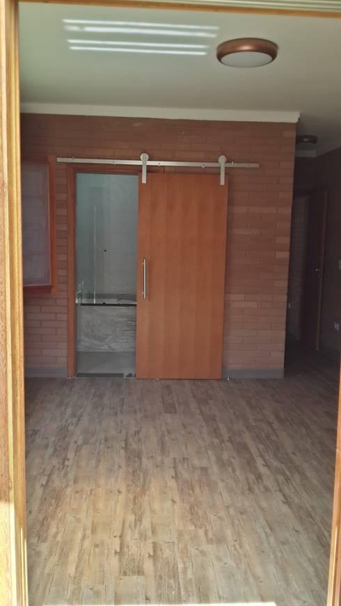 臥室 by EKOa Empreendimentos Sustentáveis