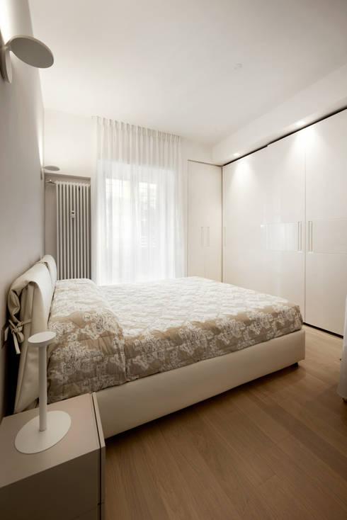 Dormitorios de estilo moderno por Gruppo Castaldi | Roma