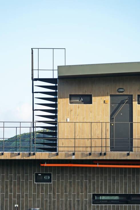 Houses by 築里館空間設計