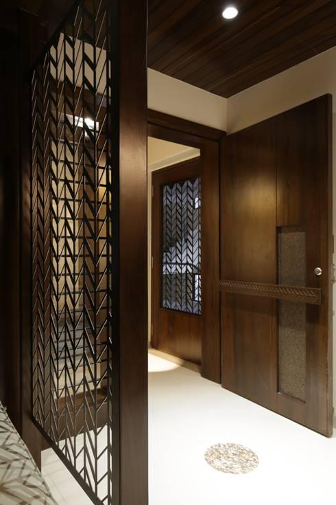 Corridor & hallway by studio 7 designs