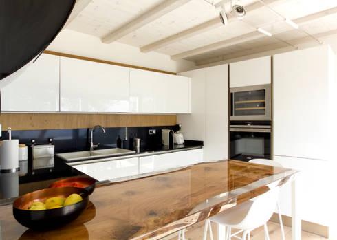 Realizzazione estensione di villa - nuova cucina con vista mare di ...