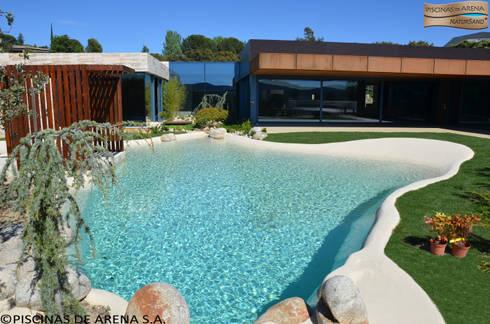 Piscinas de areia casa moderna por bebig brasil piscinas for Casa minimalista caracteristicas