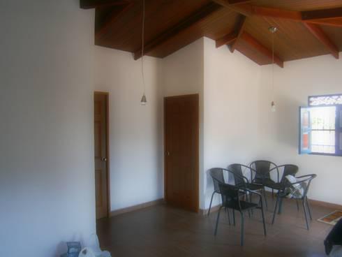 sala : Salas de estilo rural por Construexpress