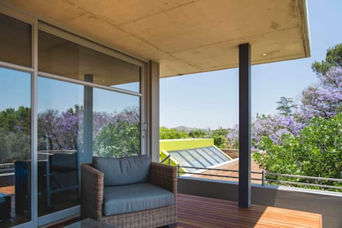 House Swart (Cameron Court Unit 1):  Patios by Swart & Associates Architects