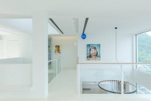 陽明山鄭宅   House C:  走廊 & 玄關 by  何侯設計   Ho + Hou Studio Architects