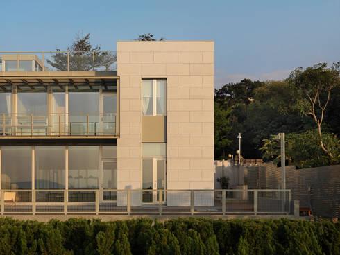 莊宅  House C, Taipei:  房子 by  何侯設計   Ho + Hou Studio Architects