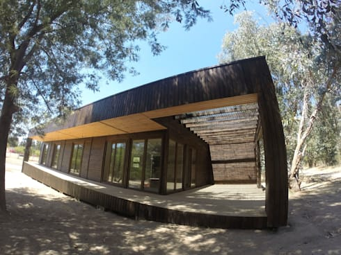 Futrono: Casas de estilo mediterraneo por Casur