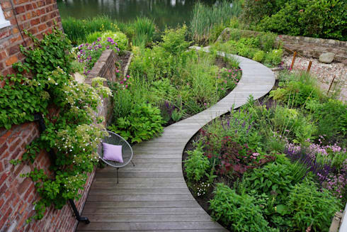 Lakeside Garden : country Garden by Joanne Willcocks, Gardens by Design