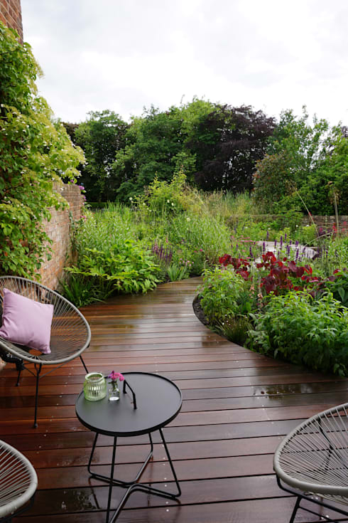 Jardines de estilo  por Joanne Willcocks, Gardens by Design