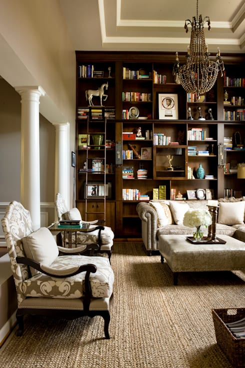 Star Power - Living Room: classic Living room by Lorna Gross Interior Design