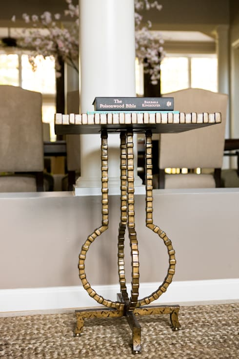Star Power - Side Table Detail: classic Living room by Lorna Gross Interior Design
