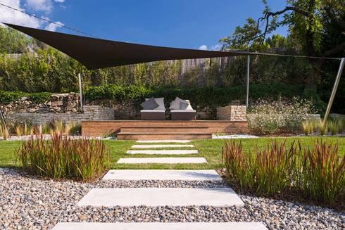 TRETS - jardin contemporain en Provence par Agence MORVANT ...