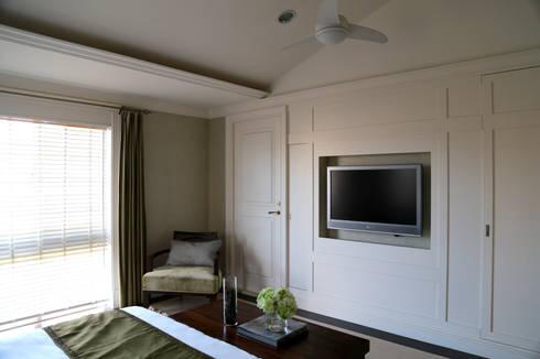 主臥電視牆面:  臥室 by 漢品室內設計