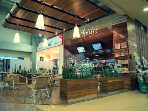 DeLolita City Plaza _ Envigado: Oficinas y Tiendas de estilo  por tresarquitectos