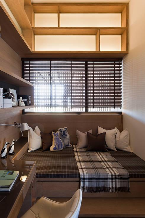 上河園:  嬰兒房/兒童房 by 大觀室內設計工程有限公司