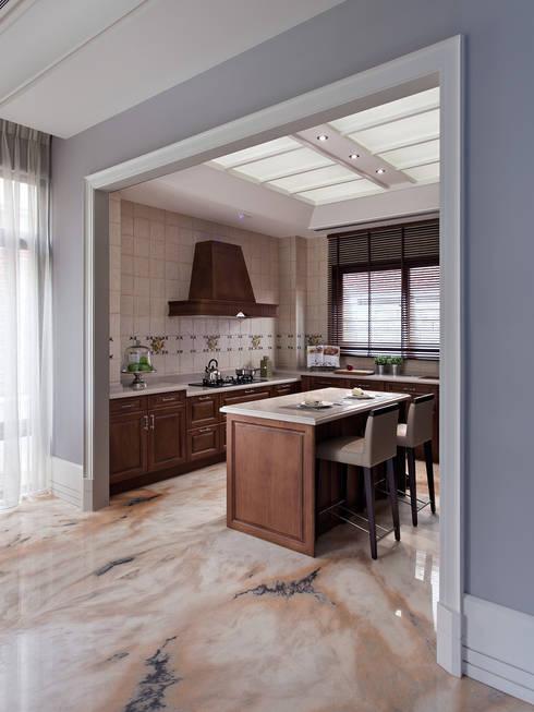 法蘭朵:  廚房 by 大觀室內設計工程有限公司