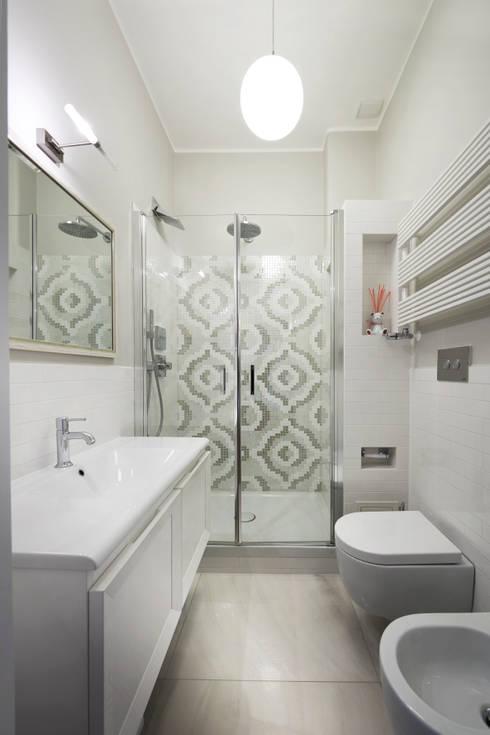 Un bagno classico ed elegante.: Bagno in stile  di Gruppo Castaldi | Roma