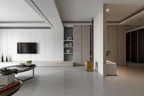 客廳:  客廳 by 共禾築研設計有限公司