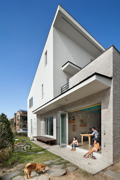 Rumah by 남기봉건축사사무소