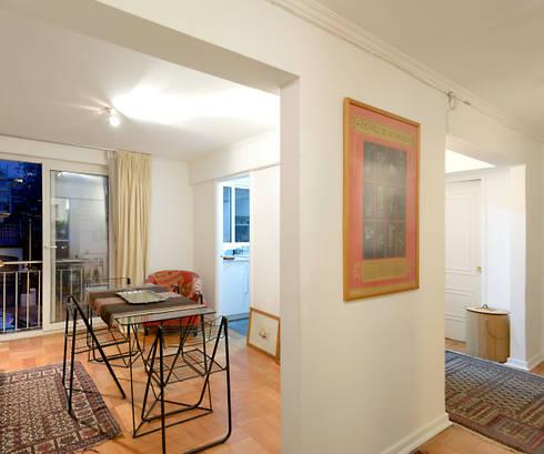 Remodelación Departamento Los Estanques: Livings de estilo moderno por Grupo E Arquitectura y construcción