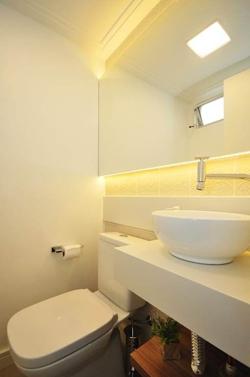 Baños de estilo  por Condecorar Arquitetura e Interiores