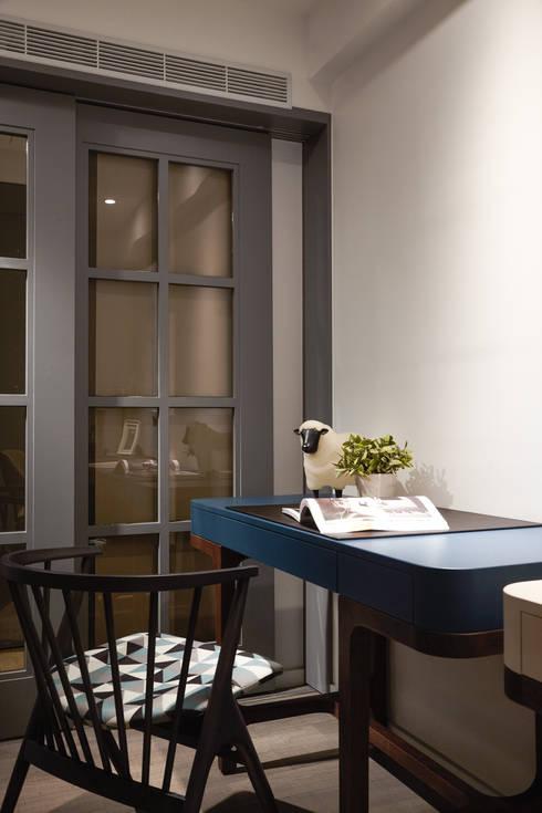 Oficinas de estilo  por 耀昀創意設計有限公司/Alfonso Ideas