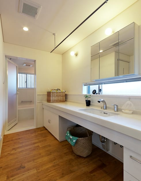 Bathroom by 磯村建築設計事務所