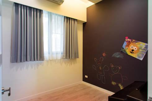 客臥:  臥室 by UNIQUE DESIGN優尼客空間設計