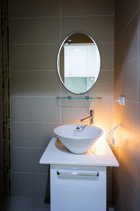 廁所:  辦公室&店面 by UNIQUE DESIGN優尼客空間設計