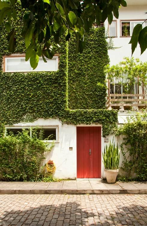 房子 by Espaço Tania Chueke