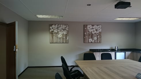 Art work wall 1:   by Leone Truter Interiors
