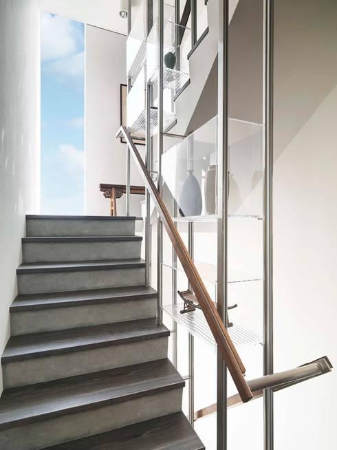 上上下下:  走廊 & 玄關 by 前置建築 Preposition Architecture