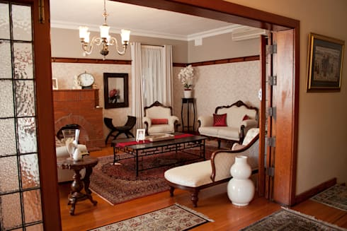 HOUSE M (2): mediterranean Living room by Kirsty Badenhorst Interiors