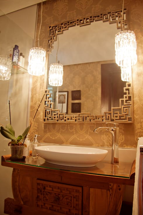 HOUSE J: mediterranean Bathroom by Kirsty Badenhorst Interiors