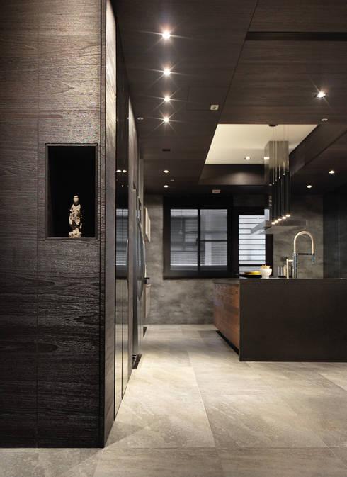 無相:  廚房 by 白金里居  空間設計