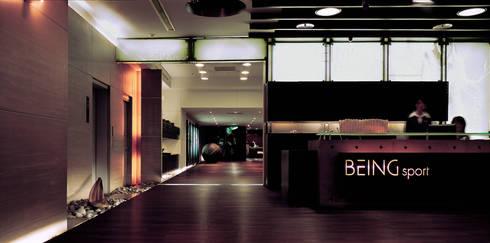 台中Being  Spa休閒運動中心:  牆面 by 鼎爵室內裝修設計工程有限公司