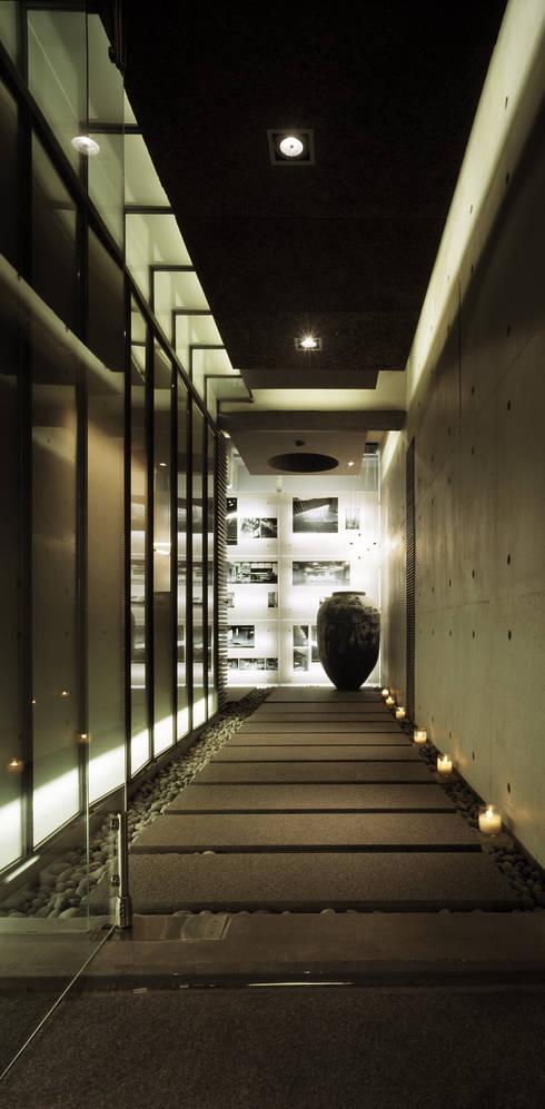 辦公室:  書房/辦公室 by 鼎爵室內裝修設計工程有限公司